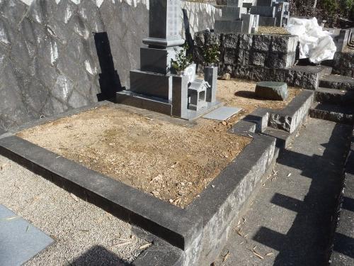 墓地まさ土舗装